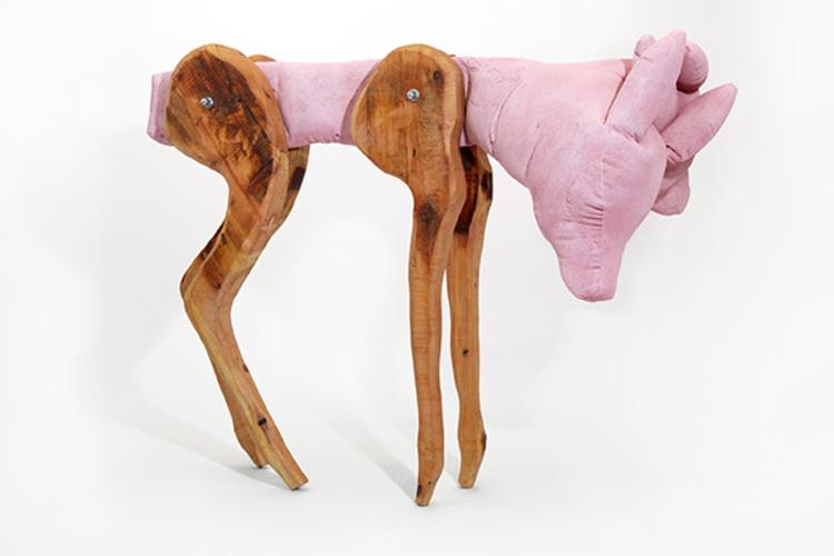 'Two Headed Fawn', 2018, ett konstverk av Linda Bäckström
