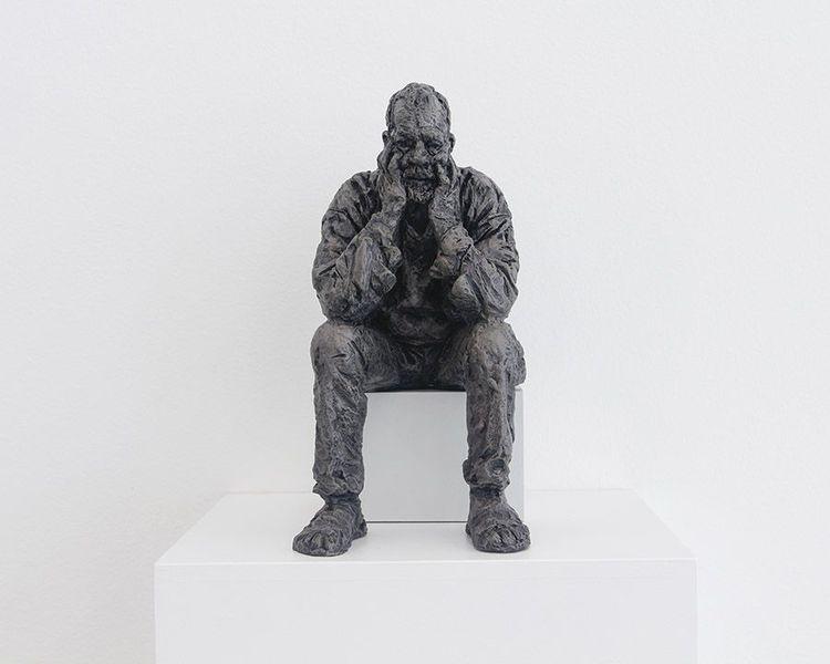 'Seated Man', 2016, ett konstverk av Sean Henry