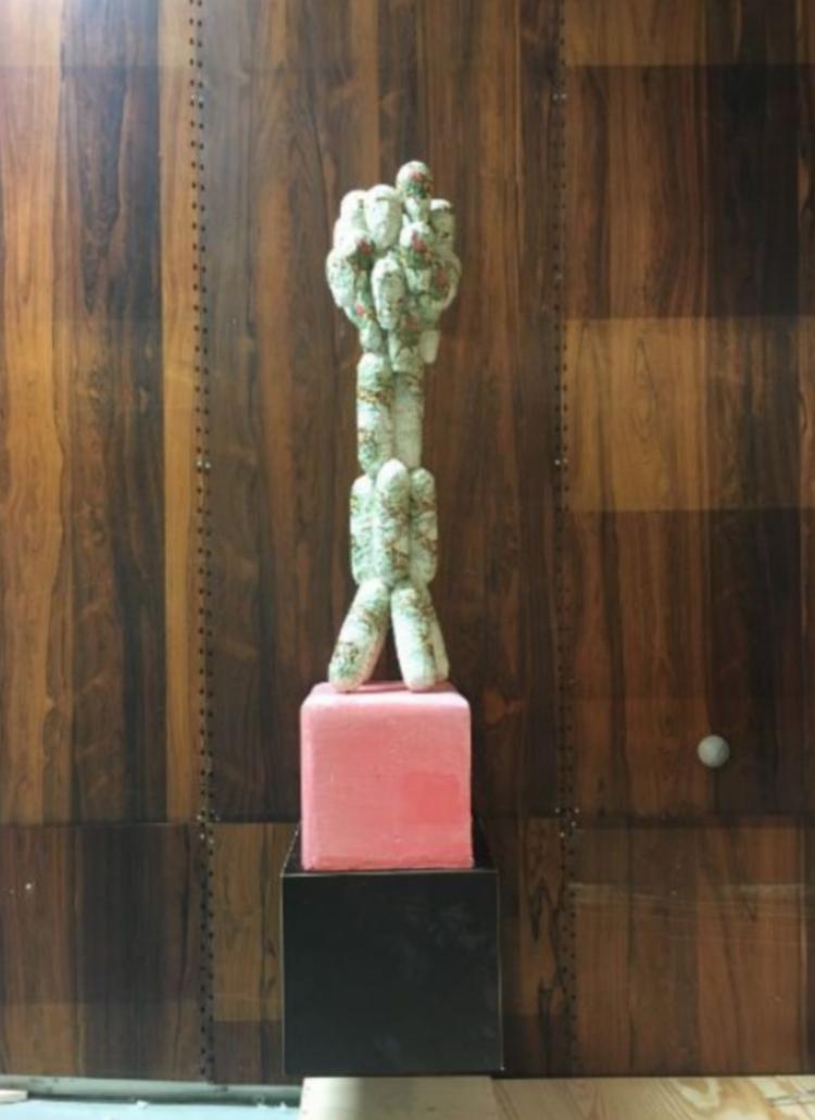 'Movable monument #2', 2017, ett konstverk av Stephen McKenzie