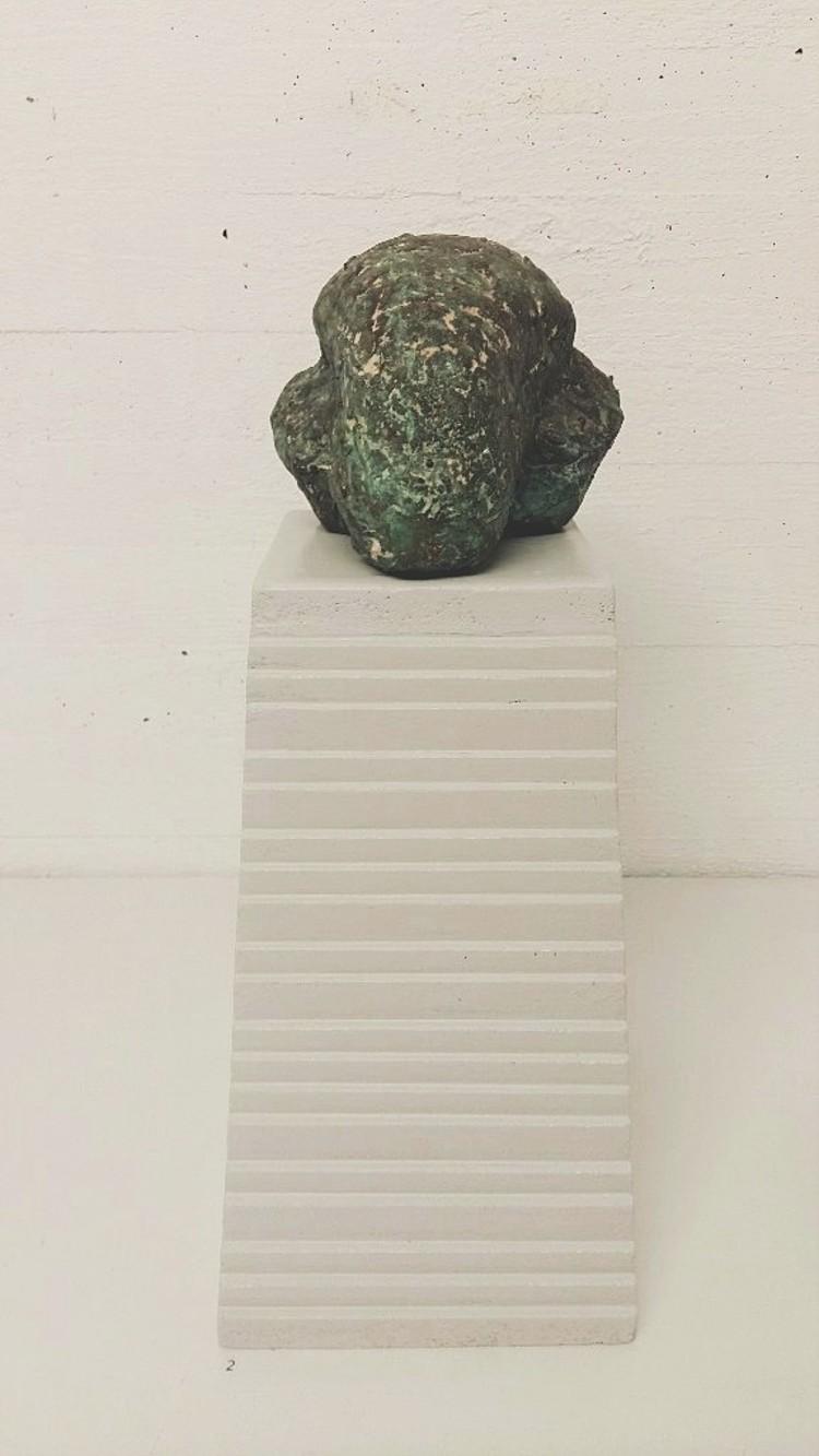 'Bockhuvud', 2002, ett konstverk av Marja Sikström
