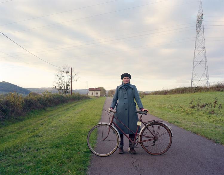 'Le vélo volé du curé', 1999, ett konstverk av Elina Brotherus