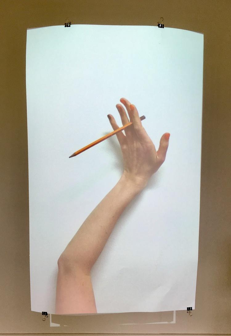 'I Wrote Pen', 2017, ett konstverk av Rebecca Digby