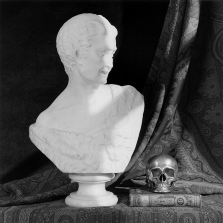 'Bust and Skull', 1987, ett konstverk av Robert Mapplethorpe