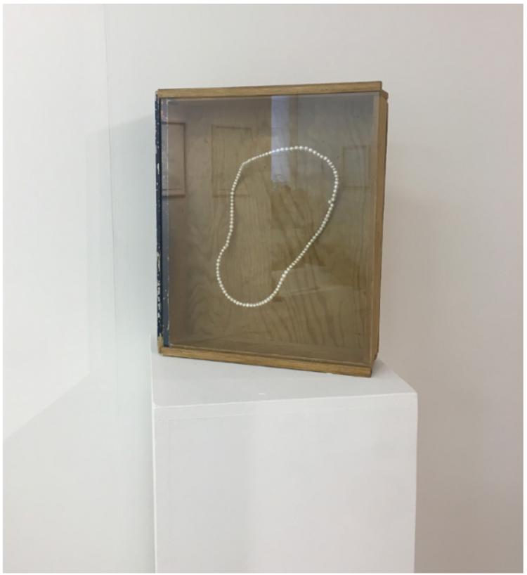 'Necklace', 2017, ett konstverk av Gustaf von Arbin