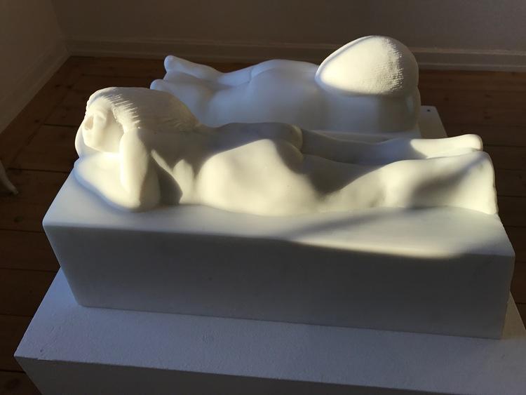 """'""""Lyssnerskan I och II', 2017, ett konstverk av Sergio Perea Jerez"""