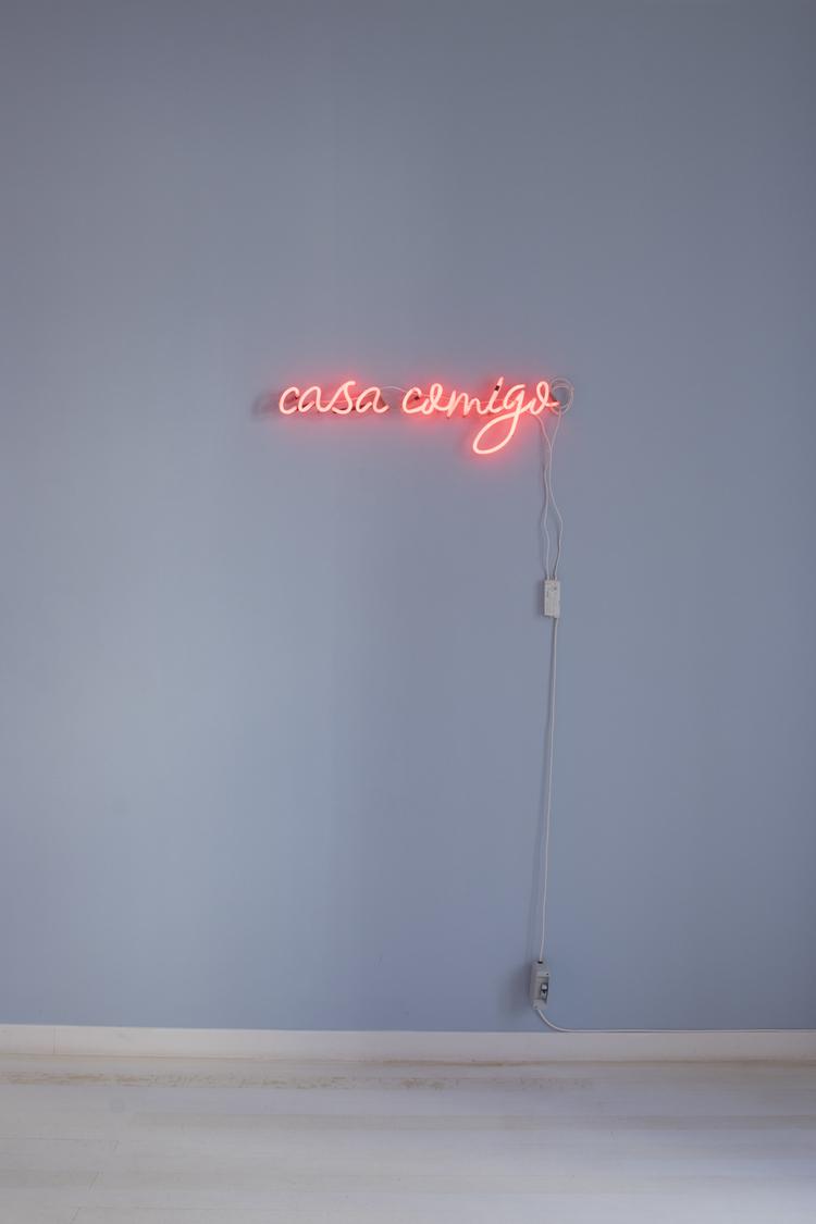'Casa Comigo', 2012, ett konstverk av Ana Perez Quiroga