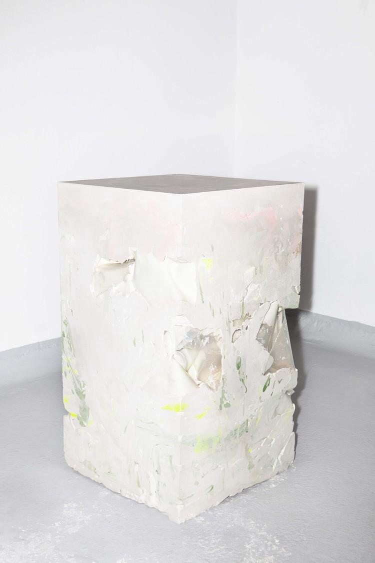 'Piece of pedestal', 2019, ett konstverk av Anna Sollevi