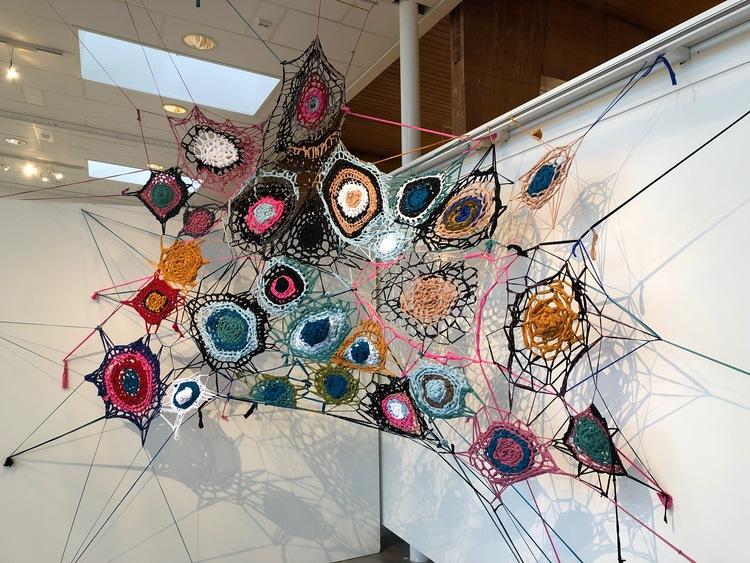 'Spindelnätt', 2019, ett konstverk av Iryna Hauska