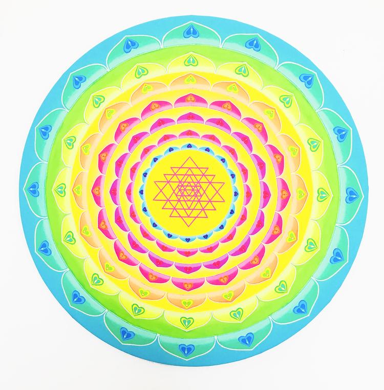 'Rainbow Shri Yantra', 2019, ett konstverk av Ingela Hageman