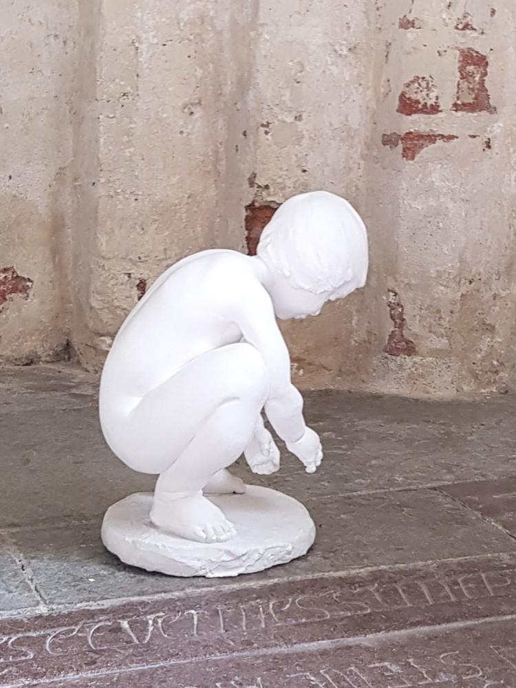 'Liten', 2019, ett konstverk av Gudrun Wirgård