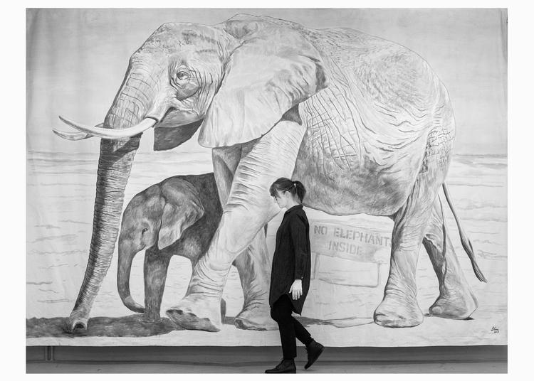 'No Elephants Inside', 2018, ett konstverk av Stina Folkebrant