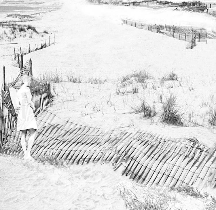 'Stranden III', 2019, ett konstverk av Nina Kerola