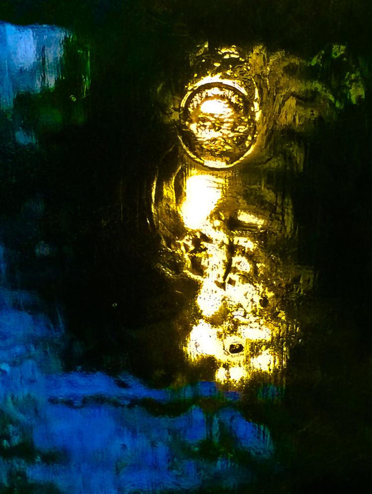 'Ayla - A golden portrait', 2015, ett konstverk av Robert Ekegren