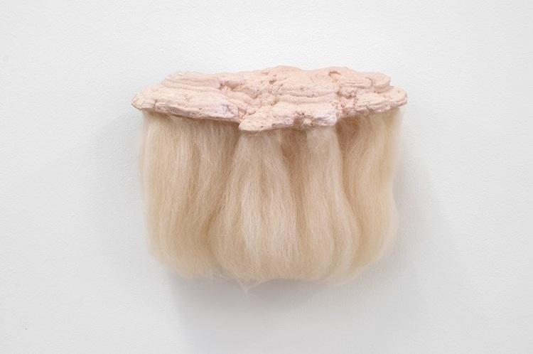 'Blond', 2019, ett konstverk av Marie Holmgren