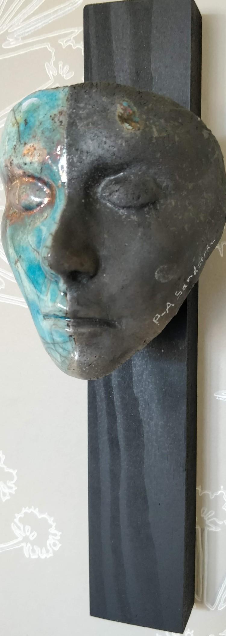 'Face', 2020, ett konstverk av P-A Sandström
