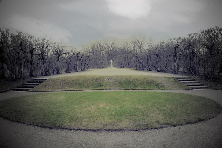 'Scenanvisning, Drottningholms parkteater', 2019, ett konstverk av Åsa Andersson Broms